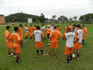 Jogo-treino será a primeira oportunidade para o técnico Suca ver seus comandados em ação