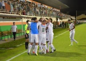 Jogadores comemoram gol da virada. Foto: Rafael Nunes/Camboriú FC