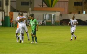 Anderson e Beto Cachoeira comemoram o primeiro gol. Foto: Rafael Nunes/Camboriú FC