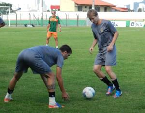 Sagaz chegou e já treinou com o grupo