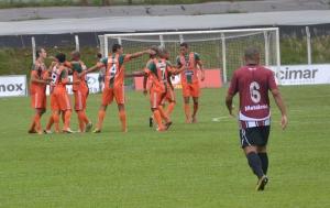 Jogadores comemoram o primeiro gol, de Gilson. Foto: Rafael Nunes/CFC