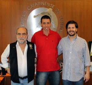 Em 2013, Fernando Gil comandou a seleção catarinense Foto: Assessoria FCF