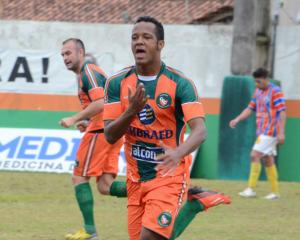 Thiago Silva marcou para a Cambura contra o Canoinhas no primeiro turno Foto: Rafael Nunes/CFC